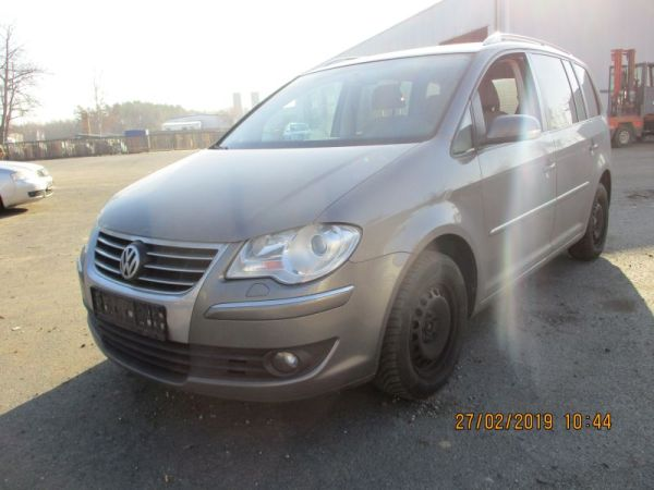 VW TOURAN (1T1, 1T2) 2.0 TDI